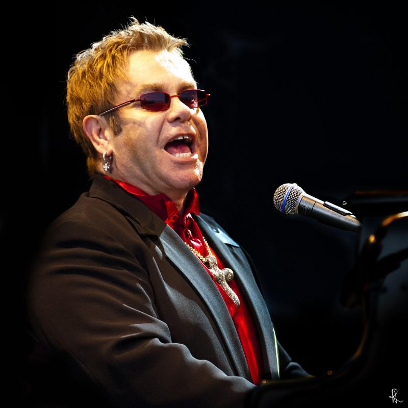 Sir Elton John 2005
