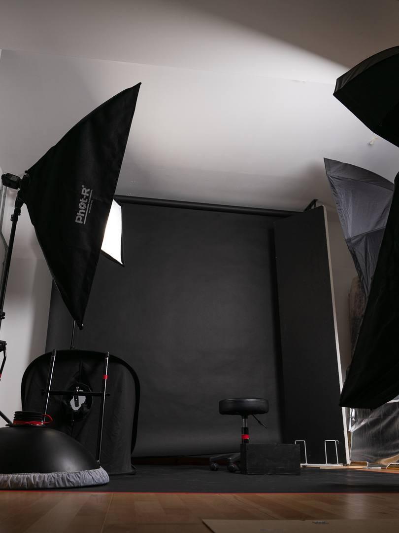 Roberto Vivancos Studio - Dark Room