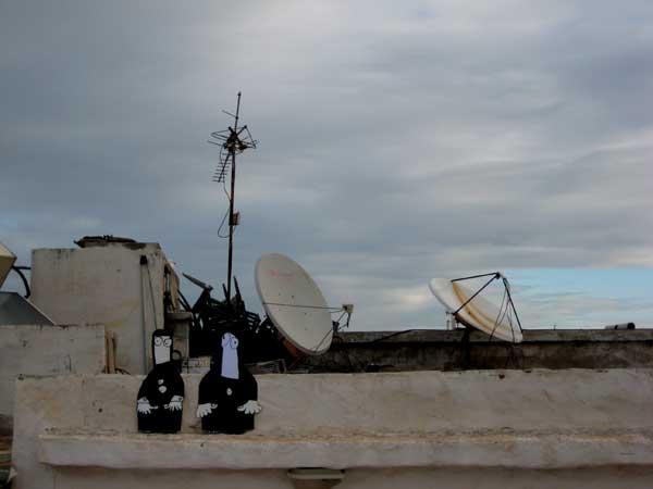 essaouira, morocco, site, specific, art, action, robert, pennekamp, museum, cartoon, strip, satteliet, tv, radio, zender, mast, dak