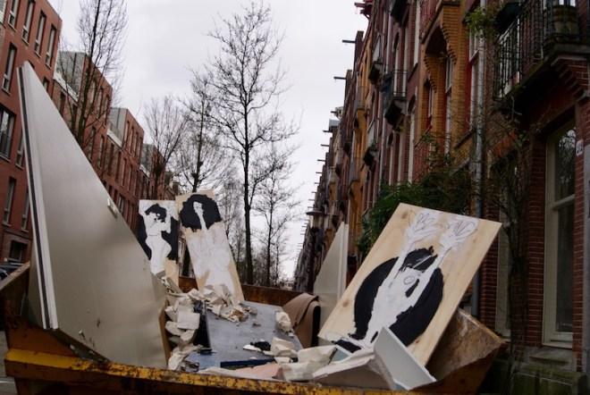 Trash Art, tijdelijk, grof afval, vuilnis, container, Vrolikstraat, Amsterdam, Robert Pennekamp, hout, recycle, duurzaam, bespaar, hergebruik, boven de bank, kunst