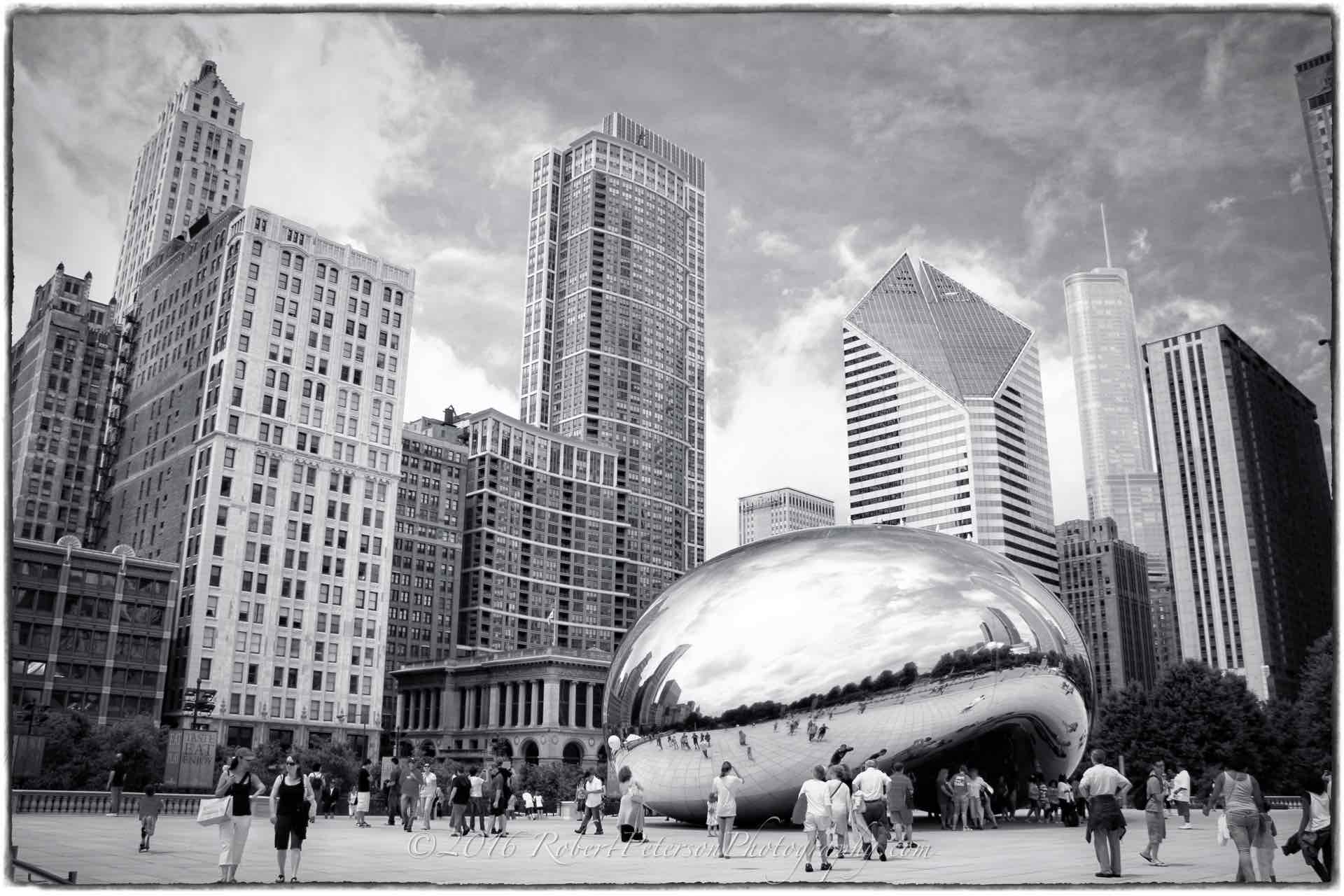 chicago illinois cloud gate bean at&t plaza millennium park sights black white macphun tonality robert peterson photography