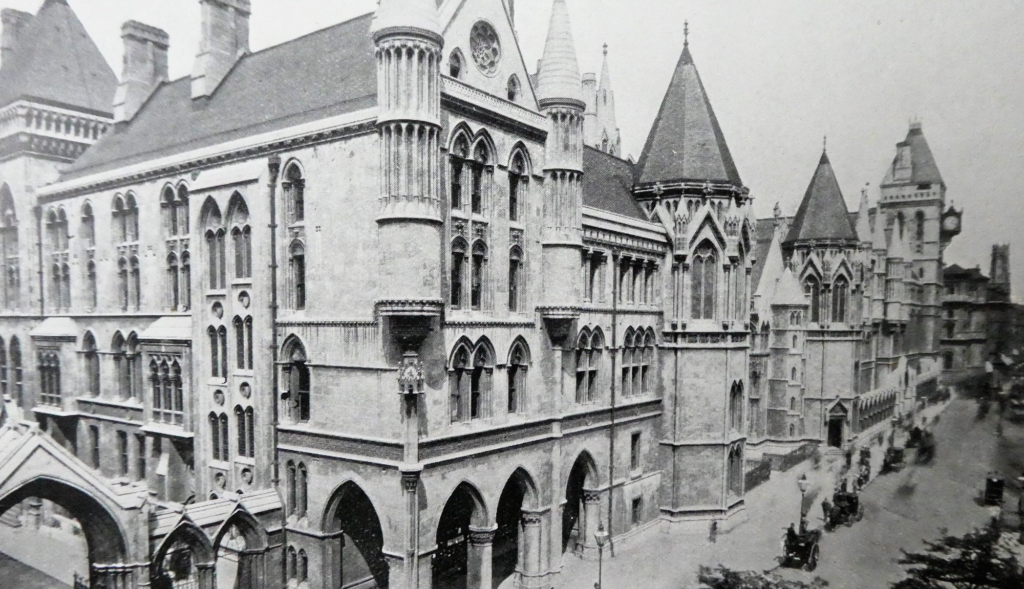 Royal Courts of Justice in 1909