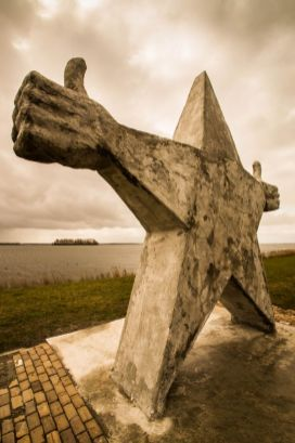 Monument voor prima mensen, Biddinghuizen
