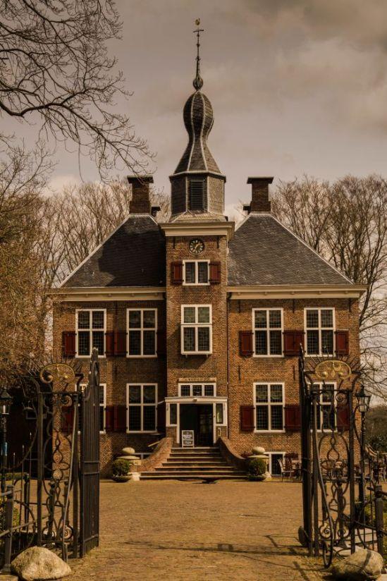 Kasteel de Essenburgh, Hierden