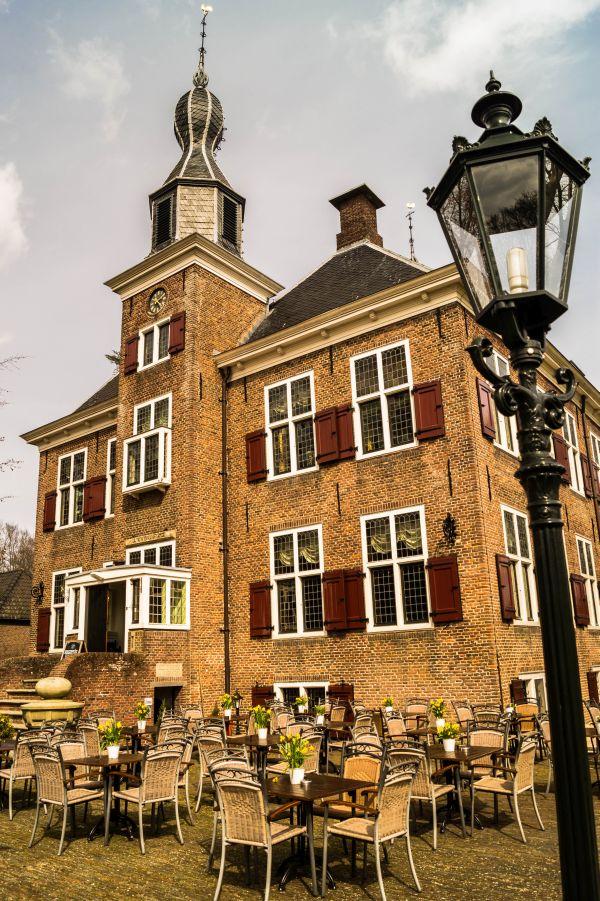 Kasteel de Essenburgh, Hierden, terras