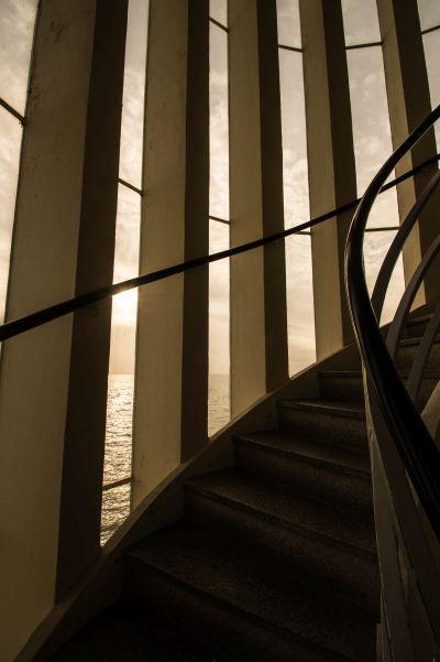 Vlietermonument, trappenhuis en trap