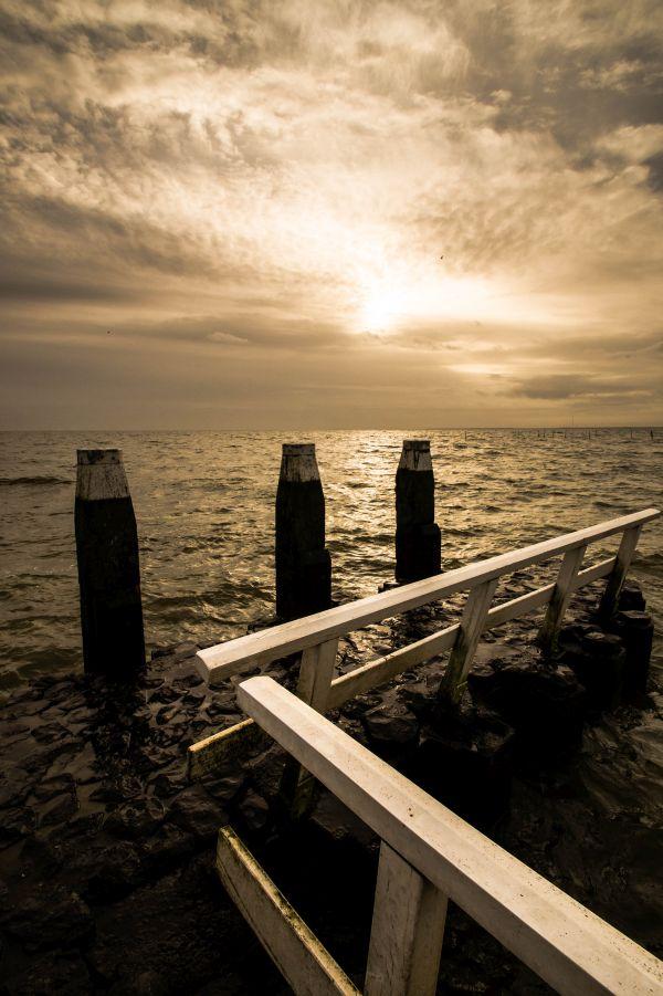 Afsluitdijk, piertje in IJsselmeer