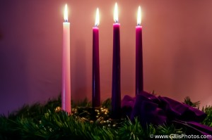 Traditional Advent Wreath – Four Candles Lit – GillisPhotos.com