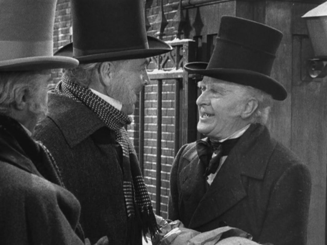s take away a little from the haunting ghost story the film is supposed to be but again perhaps that was the director and producers intention - A Christmas Carol Movie 1938