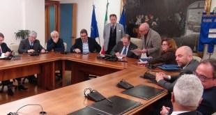 """Potenza, gestione petrolifera """"Tempa Rossa"""", firmato l'accordo – Video"""""""