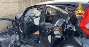 Avigliano, scontro tra due auto, un morto e 3 feriti – Video