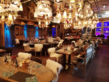 Event Venue - Christmas and End Year Dinner Parties 2019 - Come à la Maison - Robin du Lac Concept Store - Luxembourg (76)
