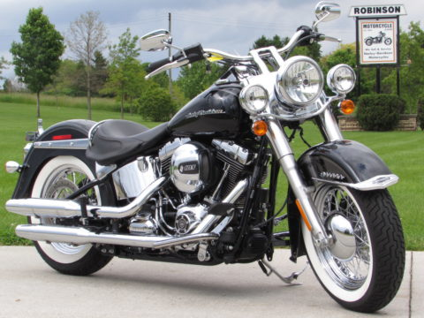 2017 Harley-Davidson Softail Deluxe FLSTN   NEW PRICE - Like New ONLY 860 miles! - Save Thousands!