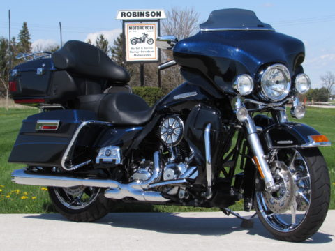 2013 Harley-Davidson FLHTK Ultra LIMITED  - $8,000 in Customizing - Low Miles - $49 Weekly