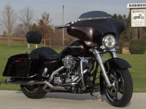 2011 Harley-Davidson Street Glide FLHX   - Over $6,000 in Customizing - $42 Week - Bars, TruDuals and more