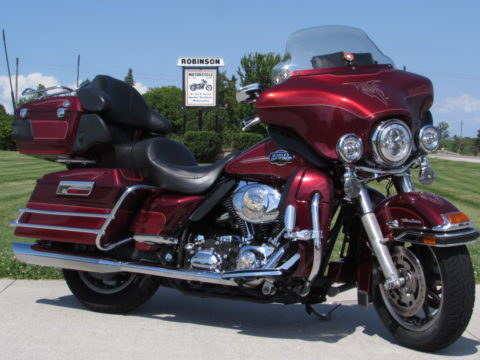 2008 Harley-Davidson Electra Glide ULTRA Classic FLHTCU   $30 Week- LABOUR DAY SPECIAL $11,950 - $7,000 in Customizing - Tru-Duals - Loaded