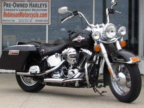 2016 Harley-Davidson Heritage Softail Classic FLSTC   - Low 25,000 KM - Stage 1 Exhaust - Harley Warranty until March 2021