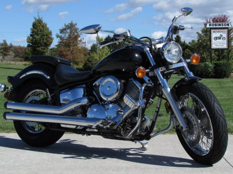 2003 Yamaha V-Star 1100 Classic  Custom - 36,800 Low KM -ONLY  $17 week - Deep Throaty Exhaust