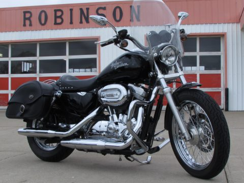 2005 Harley-Davidson XL883L Low  - 13,700 KM - $6,000 in Options - Great Solo Cruiser