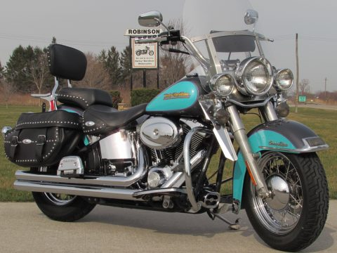 2001 Harley-Davidson Heritage Softail Classic FLSTC   - Stunning and Rare H-D Paint - ONLY $32 Week