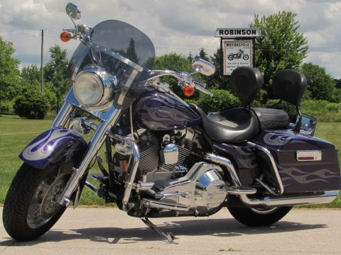 2002 Harley-Davidson CVO Road King FLHRSE   - Low 19,800 KM's - Bought New at Robinsons!
