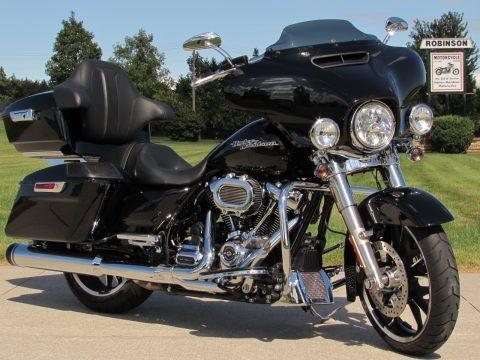 2020 Harley-Davidson Street Glide FLHX   - Low 3,800 KM - $12,000 In Customizing - $65 Week