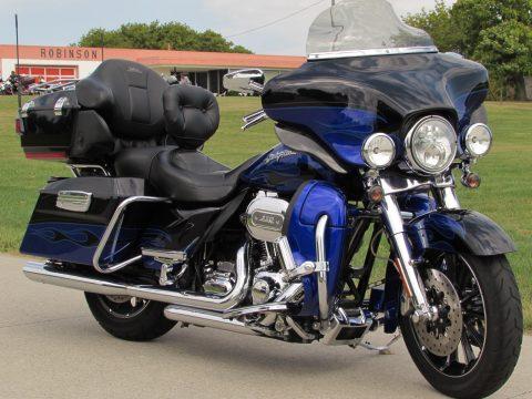 2011 Harley-Davidson CVO ULTRA FLHTCUSE   - 110ci Screamin' Eagle - Locally owned - $47 Week