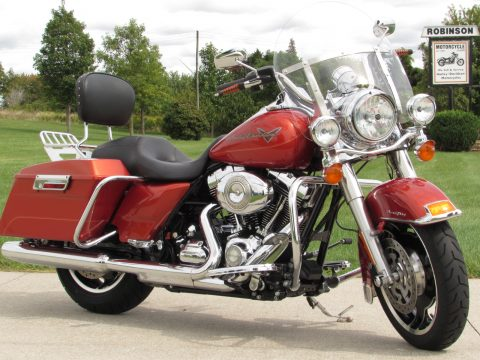 2011 Harley-Davidson Road King FLHR   - ONLY 2,500 Miles - Low $43 Week - Beautiful Options