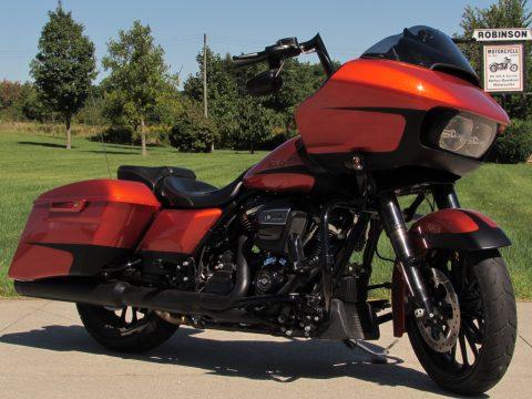 2019 Harley-Davidson Road Glide Special FLTRXS  - 114 Motor - 1,800 KM - $4,500 in Customizing