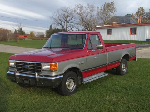 1990 Ford F-150 XL FORD F-150 5.0L / 302 - Extremely Clean - You won't believe the Condition - NO RUST - Only 71,000 kilometers! Owned by us since the mid 1990s & NEVER WINTER DRIVEN - Remarkable Condition