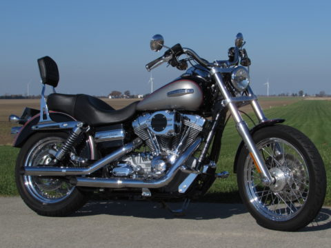 2009 Harley-Davidson Dyna Super Glide Custom FXDC   Only 5,300 Miles! - Low $25 weekly + tax!!