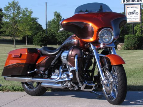 2012 Harley-Davidson CVO Street Glide FLHXSE   Hot CVO 110 Deal - $57 week - Citrus and Gunstock / Phantom Flames