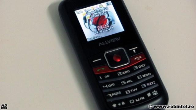 Telefonul dual-SIM Allview L2 Fit - Un fel de Nokia 2110 dual-SIM și cu lanternă, un telefon robust, simplu și fiabil