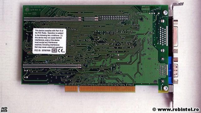 Placa video HP Compaq Matrox MGA Millenium (2064W R3) pe PCI, cu 2 MB de RAM și două ieșiri video, dintre care una este un HD D-Sub de 26 de pini, văzută pe verso