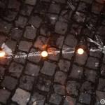 07. Detaliu al liniei de demarcatie facuta din luminari in Piata Unirii din Cluj la lansarea lampioanelor