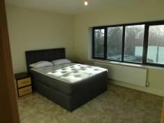 Huddersfield - Guest Bedroom Image 1