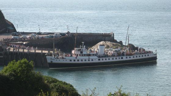 robzlog Ilfracombe - the Balmoral docking at the quay