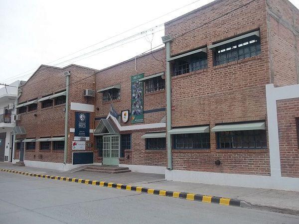 Aislaron estudiantes de un colegio secundario por caso de Covid