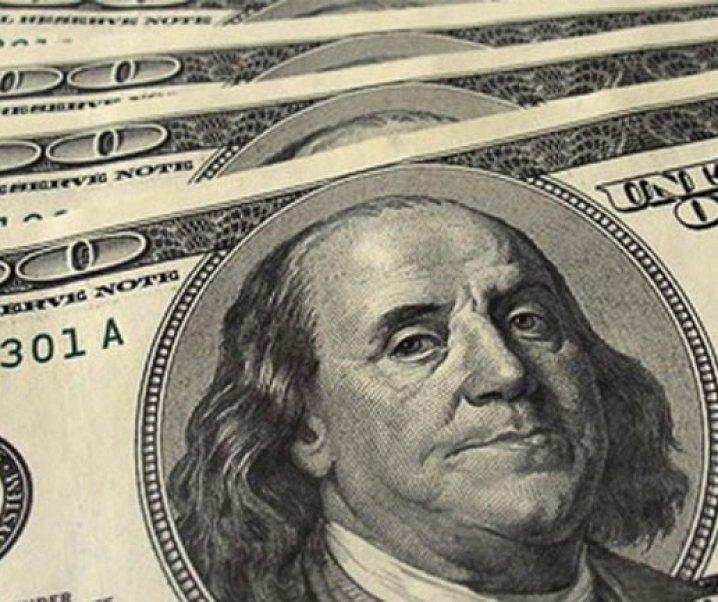 Destacado economista defiende recientemente que el dólar debiera estar en Chile entre $ 740 y $ 760
