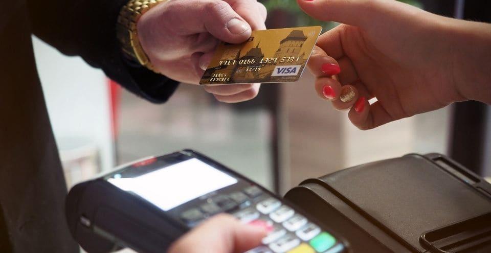 BEST DEBIT CARDS FOR UNDER 18 IN US