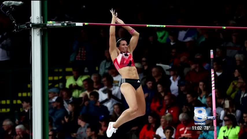 Jenn Suhr still a hometown hero despite not getting a medal_19895639-159532
