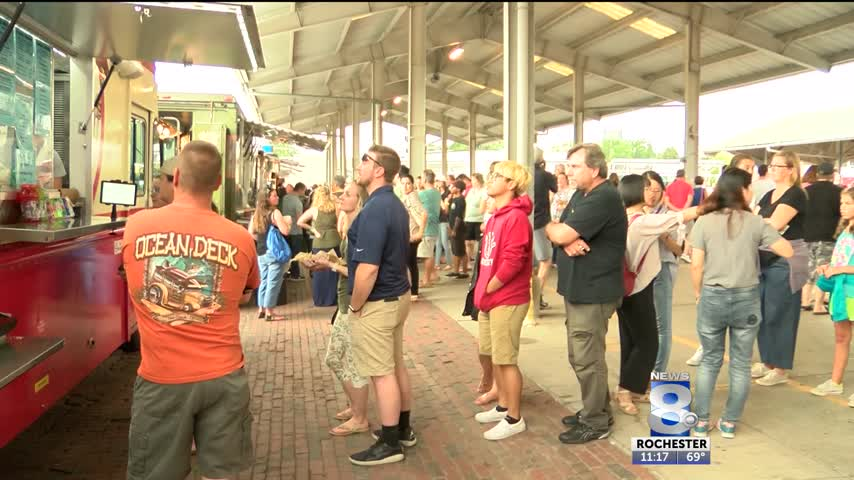 Perfect weather brings in large turnout at food truck rodeo_60694430