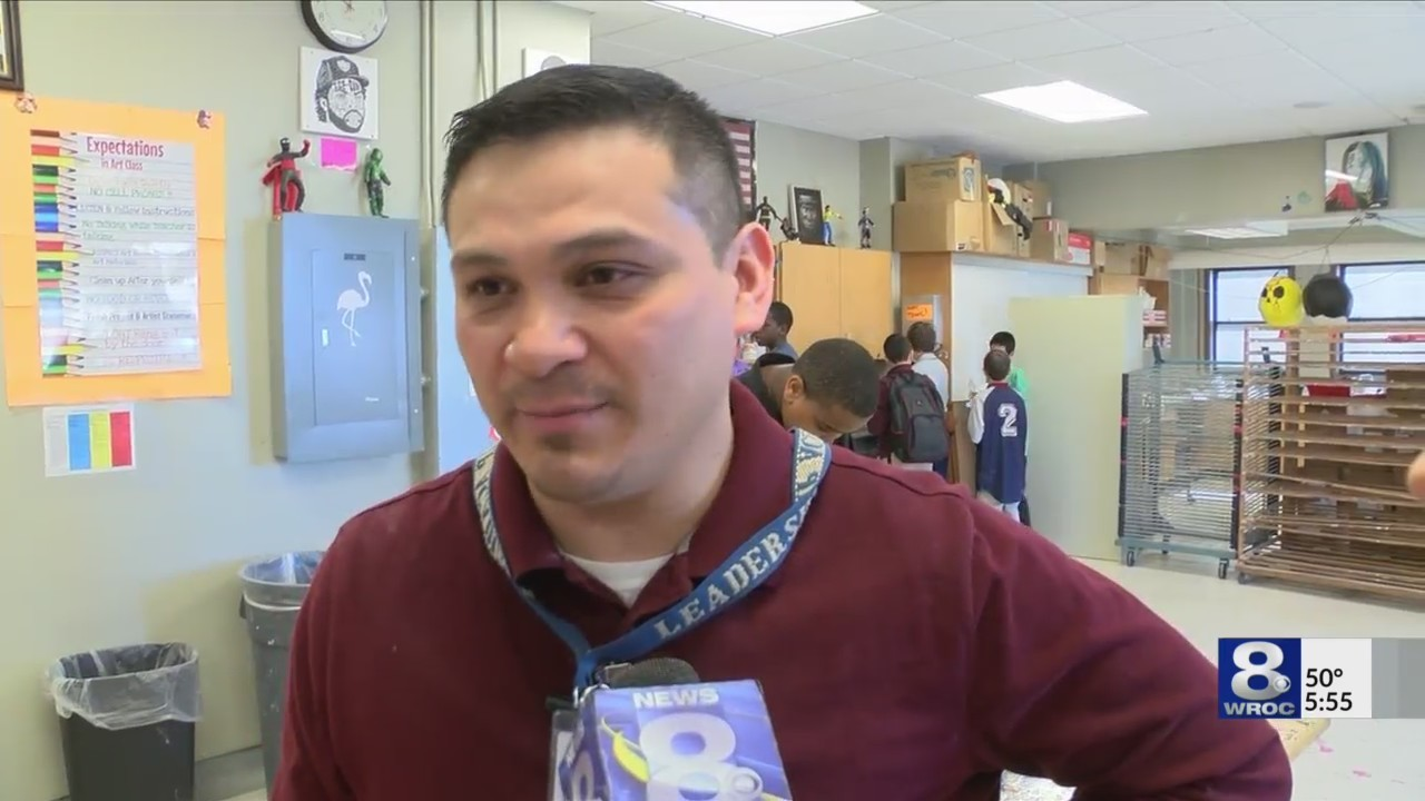 From corporate America to the classroom:Rochester teacher ditches office for art class