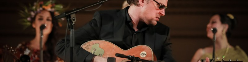 News/Preview: Joe Bonamassa announces 'Live At Carnegie Hall – An Acoustic Evening'