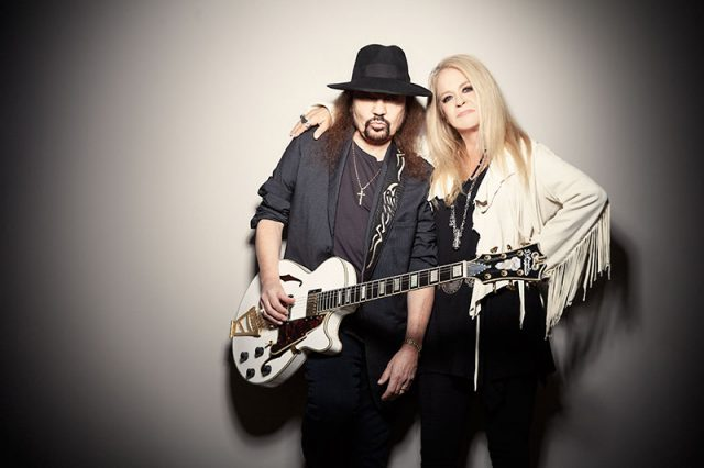Gary Rossington with cool, Wife Dale Krantz-Rossington