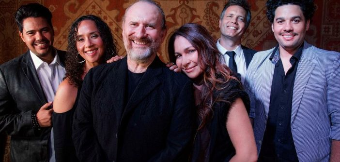Colin Hay and Men At Work, 2019 (Photo: Jorge Sayegh)