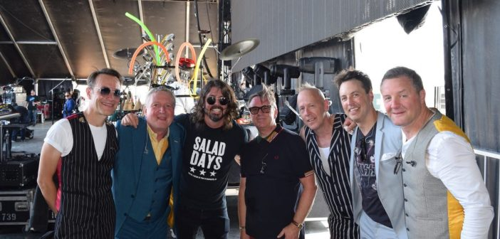 Squeeze and Dave Grohl (Photo: Cole Anderson)