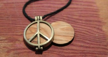 woodstock pendant peace of stage