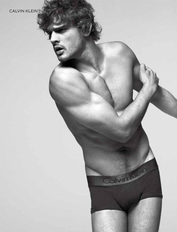 Marlon-Teixeira-Dean-Isidro-El-Palacio-de-Hierro-Underwear-02