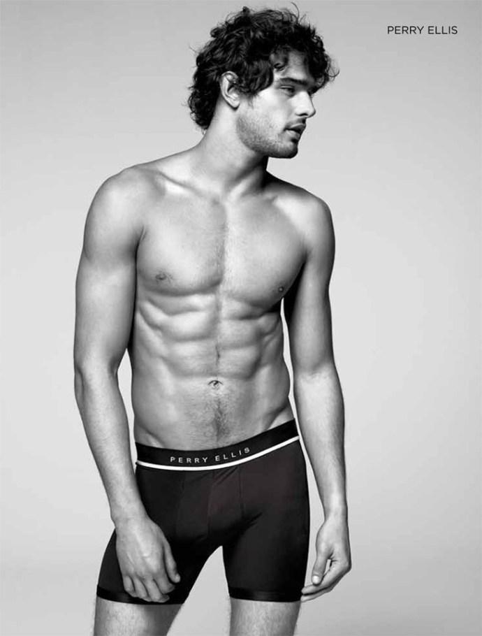 Marlon-Teixeira-Dean-Isidro-El-Palacio-de-Hierro-Underwear-07